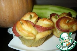 Тыквенно-кабачковые булочки с колбасой и сыром