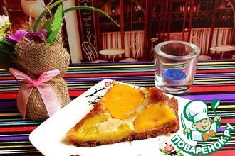 Десерт-пирог медовый с персиками