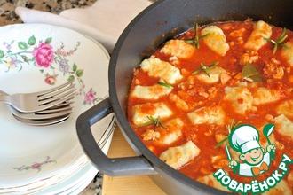 Ньокки в томатном соусе с курицей