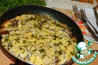 Мясо по-купечески с грибами в сковороде