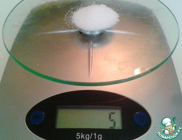 На весах соль на одну норму