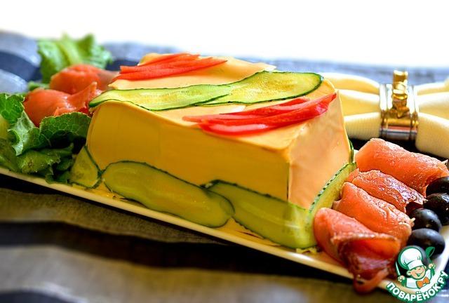 Вынуть из формы, украсить по желанию. Разрезать торт острым ножом.
