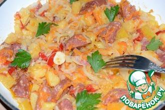 Овощная сковорода с колбаской