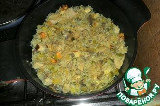 Паэлья с курицей, грибами, цуккини и сыром