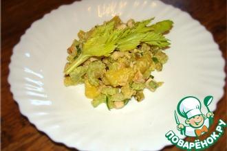 Салат из картофеля с копчёной курицей и можжевеловым маслом