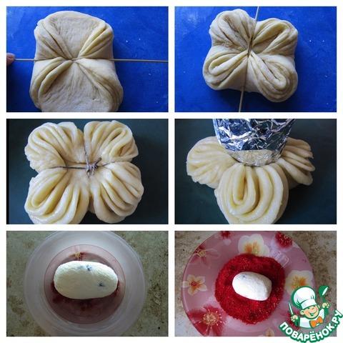 """Одним из вариантов праздничной выпечки будет булочка-подставка под """"крашеное яйцо"""" из творожной массы (аналог творожной Пасхи, рецепт вот http://www.povarenok .ru/recipes/show/749  23/). Для этого кусок сдобного теста вымешиваю с добавлением муки, чтобы текстура была поплотнее, делю на 4-5 кусочков, раскатываю лепешки размером с блюдце, каждый пласт теста смазываю маслом (сливочным растопленным или растительным без запаха). Формирую как указано на фото, скрепляю кулинарной нитью, чтобы при выпекания форма не развалилась, на время расстойки теста ставлю сверху рюмку, обернутую фольгой, как только тесто немного """"схватится"""" в духовке, конструкцию можно будет убрать, выпекать до готовности. """"Крашеное яйцо"""" формирую из творожной массы по рецепту творожной Пасхи, заворачиваю в пищевую пленку и кладу в холодильную камеру до застывания сливочного масла. Предварительно испеченный с красным пищевым красителем маленький куличик разрезаю на кусочки, высушиваю в духовке, измельчаю в блендере до состояния крошки, обваливаю """"яйцо"""" в крошке. Перед подачей на стол собираю угощение, булочку можно посыпать сахарной пудрой или еще горячую смазать горячим сахарным сиропом, она будет блестеть."""