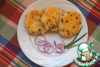 Картофельные блинчики с вермишелью и зеленым луком