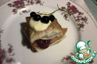 Мильфей с сырно-смородиновым кремом