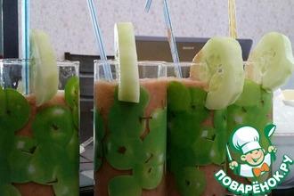 Смузи томатно-огуречный с зеленью