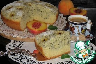 Двухслойный пирог с цветами из персиков