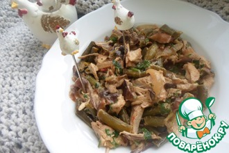 Курица, тушенная с фасолью и грибами