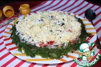 Салат из риса и копченой курицы