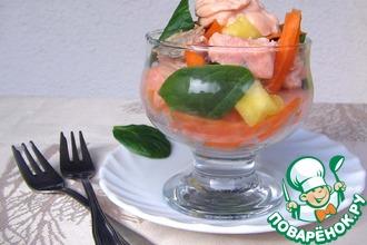 Салат-коктейль из лосося и шпината
