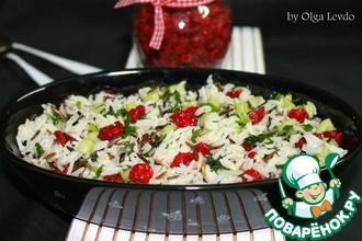 Салат с рисом и вяленой вишней