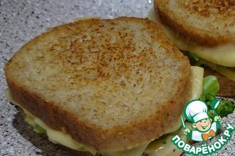Горячие бутерброды с брокколи и сыром