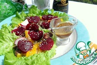 Теплый салат из свеклы с печенью цыпленка