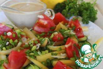 Летний салат с йогуртовым соусом