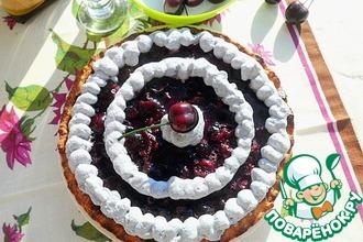 Черешневый тарт с ванильным кремом и меренгой