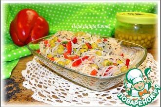 """Салат овощной с фунчозой и """"черной"""" заправкой"""