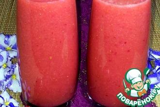 Сок клубнично-персиковый с грушами