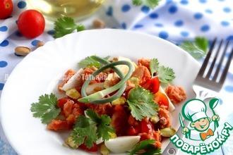 Томатный салат с тунцом