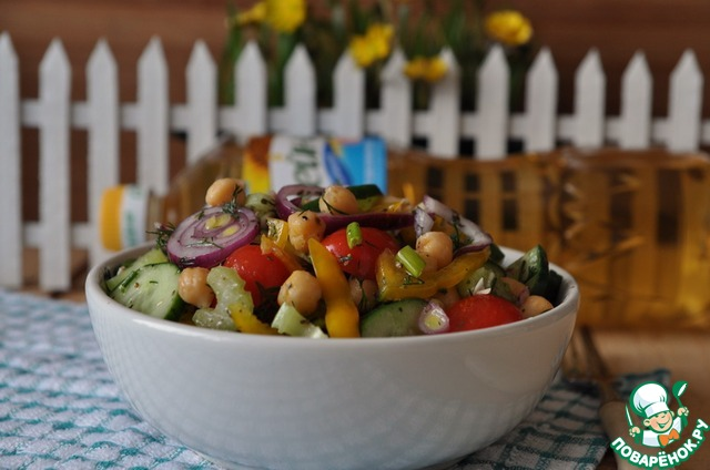 Подаём салат. Приятного аппетита!