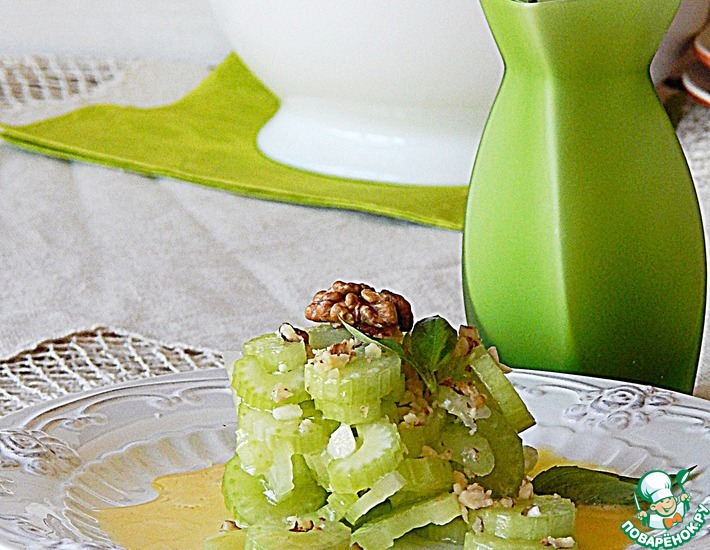 Салат из маринованного сельдерея