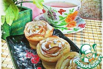 Кексы с яблочными розами