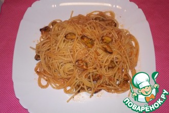 Спагетти с мидиями в томатном соусе