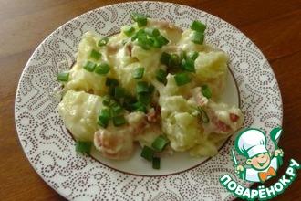 Теплый картофельный салат с сырным соусом