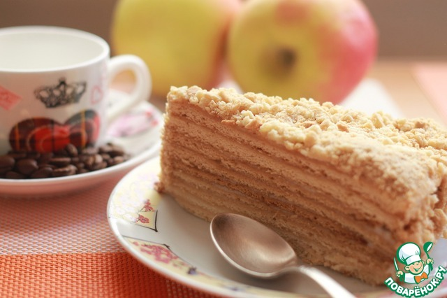 Лучше, чтобы торт постоял часов 10 в холодильнике, он станет мягким и сочным. Приятного аппетита!