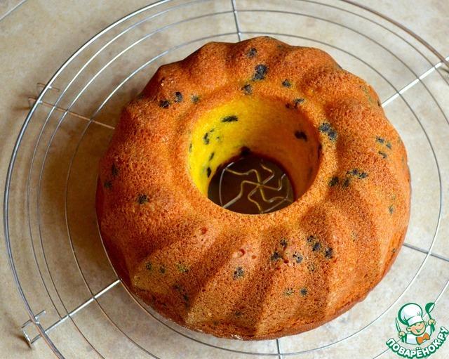 Полностью остывший кекс посыпать (по желанию) сахарной пудрой и подавать!