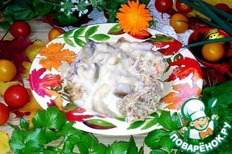 Гречневые колбаски с соусом из белых грибов