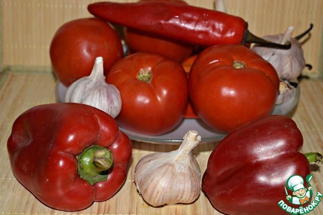 Указан вес нечищенных овощей.    Время приготовления показала без учёта времени созревания аджики.