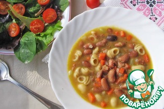 Тушеная красная фасоль с овощами и пастой