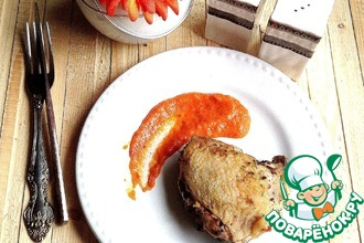 Куриные бедра и овощной соус в СВЧ