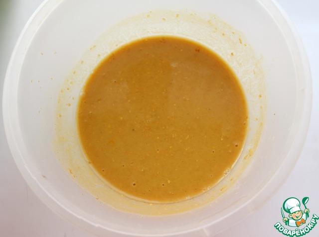 Семена горчицы измельчить в кофемолке или мельничке в течение 1 минуты, но не до состояния порошка. Добавить к сухим ингредиентам. Влить жидкие ингредиенты и тщательно перемешать.