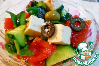 Салат с маринованным сыром