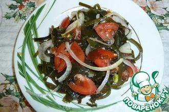 Салат с морской капустой и помидорами