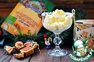 Сырное мороженое с медом к шампанскому