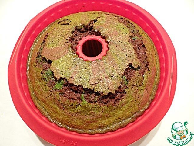Выпекаю кекс в разогретой до 160 градусов духовке около 70-80 минут (время выпечки может отличаться в зависимости от размера формы для кекса и характеристик духовки). Готовность кекса проверяю с помощью зубочистки. Приятного Вам аппетита!