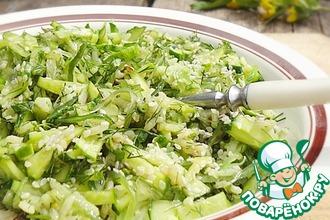 Огуречный салат с чукой и рисом
