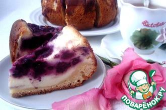 Пирог с голубикой в творожной заливке