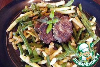 Теплый салат из языка с фасолью