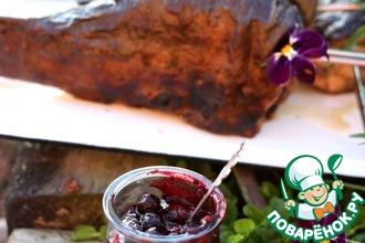 Чёрносмородиновый соус с зеленью к рыбе
