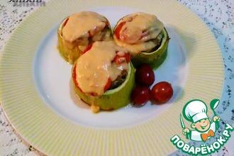 Фаршированные кабачки под сливочно-персиковым соусом