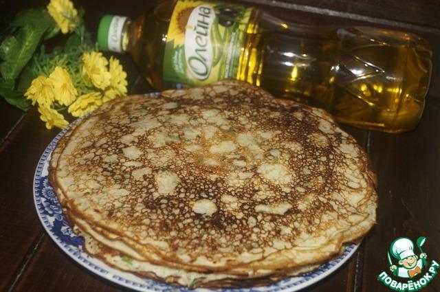 Выпечь блинчики на разогретой сковороде смазанной тонким слоем подсолнечного масла