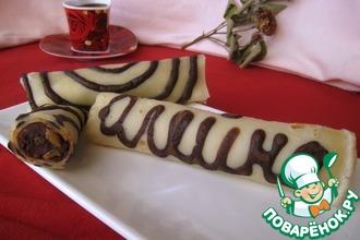 Полосатые блинчики с шоколадно-ореховой начинкой