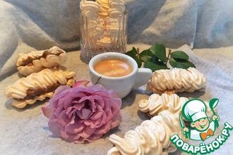 Воздушное безе с кофейной-мятной начинкой