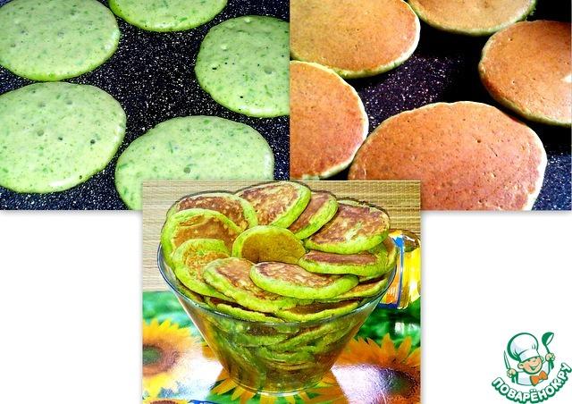 Оладьи жарила без масла,   достаточно того, что было     налито в тесто. Для одного     оладушка теста наливала    чуть больше столовой ложки.    С одной стороны оладушки     румяные, а другая сторона     с зелёной каёмочкой.